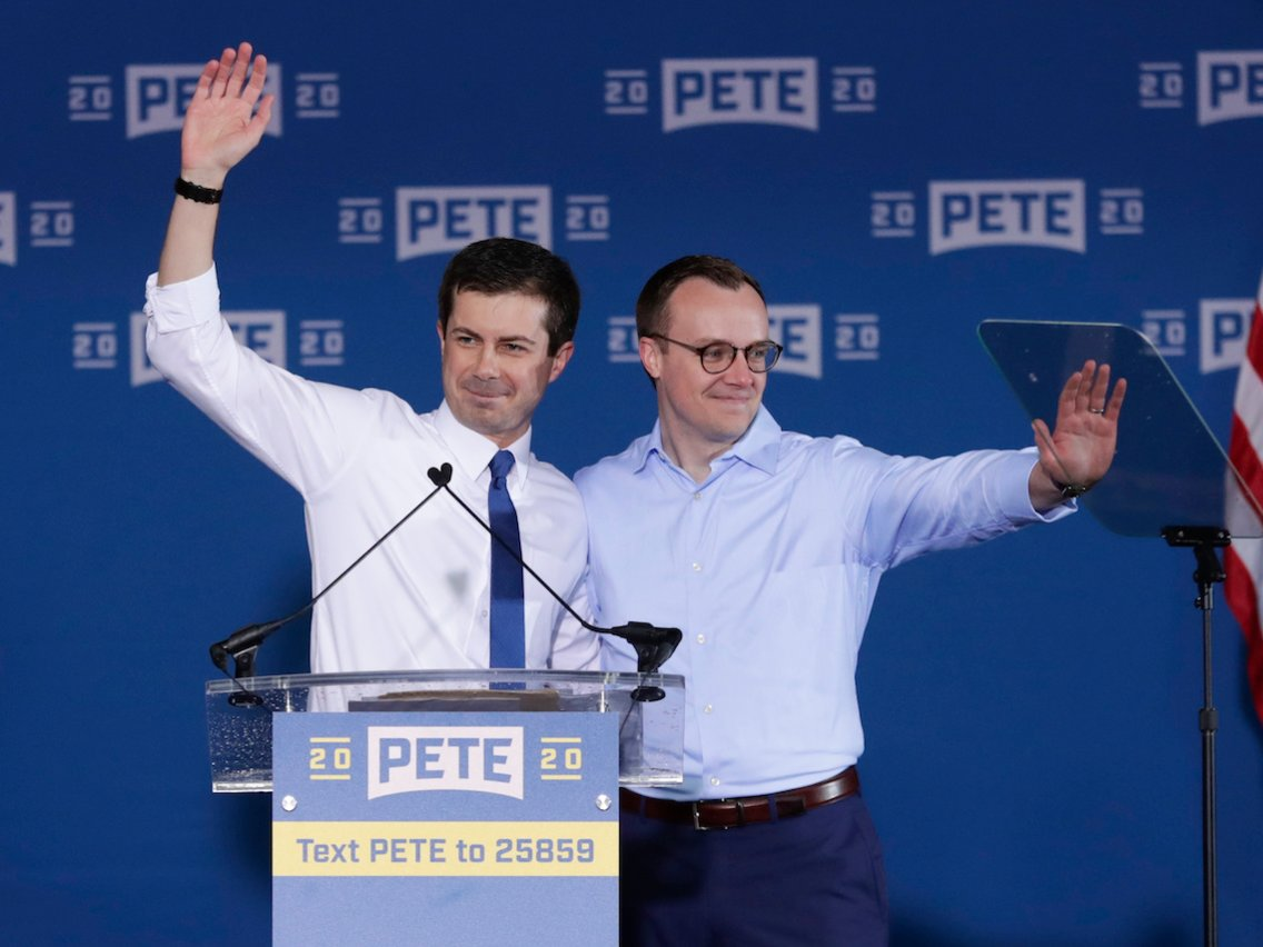 photograph of 2020 US presidential candidate Pete Buttigieg with his husband Chasten Glezman